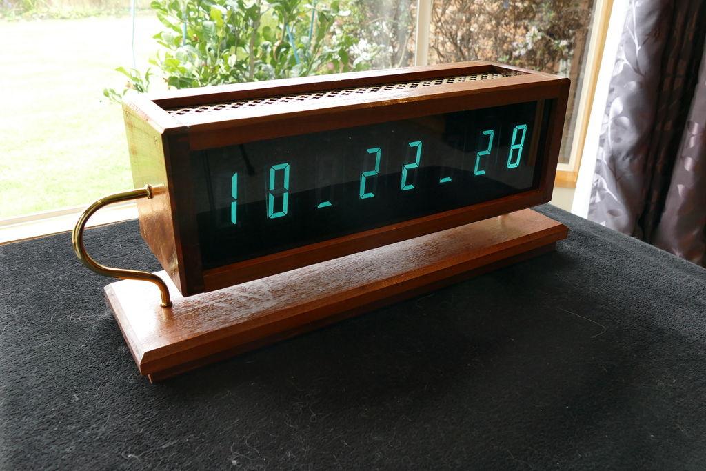VFD Clock Example