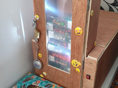 Dulciurilla: Fitbit - Connected Candy Dispenser