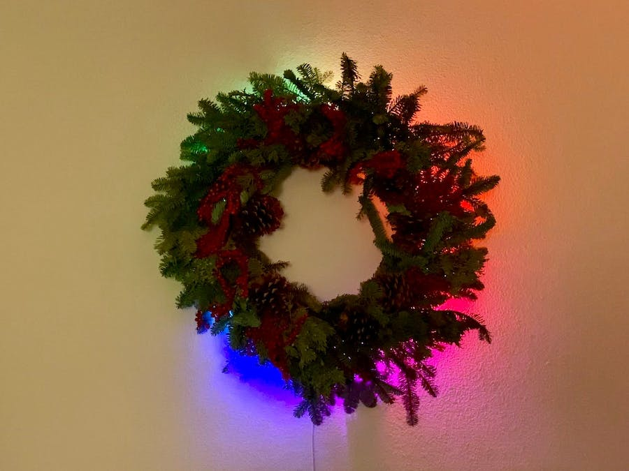 Easy Magic Wreath with LIFX Z & Devicebook