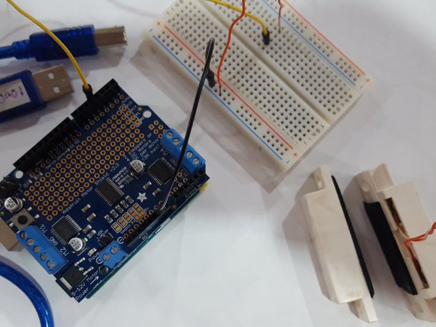 Arduino 101 + BLE + Magnetic Door Swith
