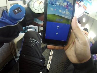 Bluetooth® Low Energy Skydive Altimeter