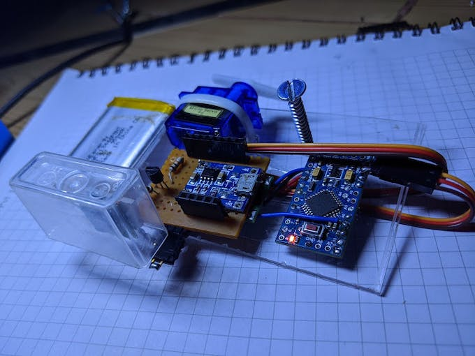 Top View sensor being enclosed in a plastic case