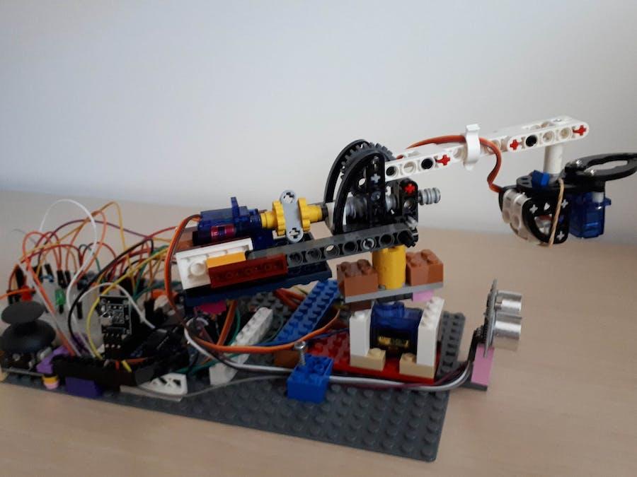 Simple Servo Robotic Arm
