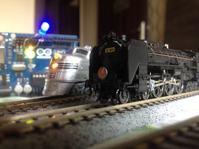 Simple Automated Point to Point Model Railroad Running Tw...