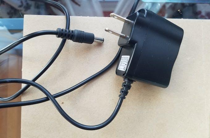 Power plug 9V