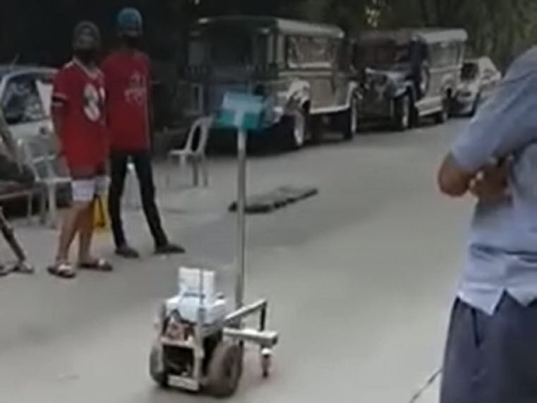 RANDYBot (Anti-CoVid-19 Robot)