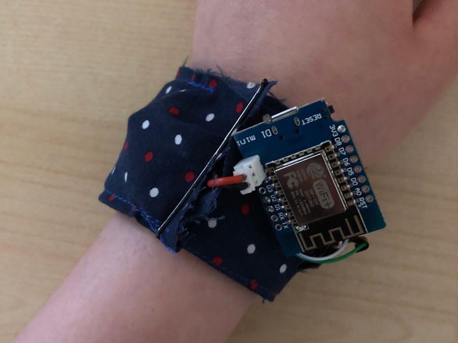 Br(easy) - Temp & HR Sensor Bracelet with IoT Automation