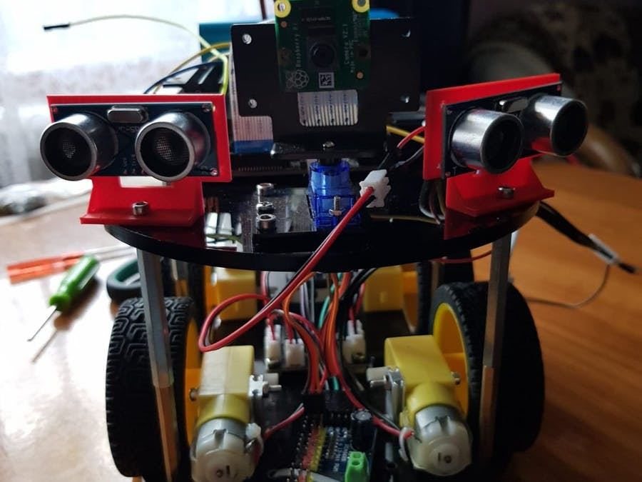 Jetson Finder: robotic car with AI & remote voice control