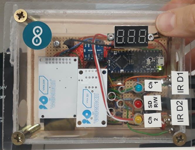 Voltmeter (no value displaye since push button under my thumb not pressed)