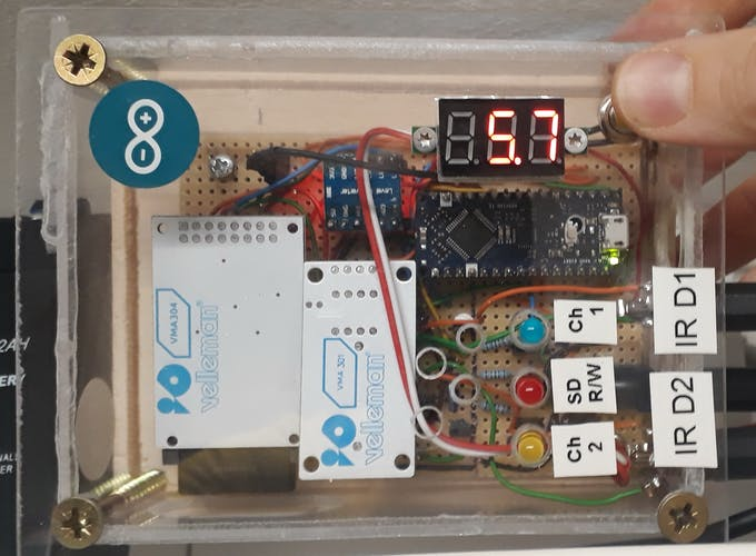 Push button pressed -> Voltmeter displays supplied voltage.