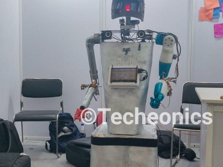 SimAr The Humanoid Robot