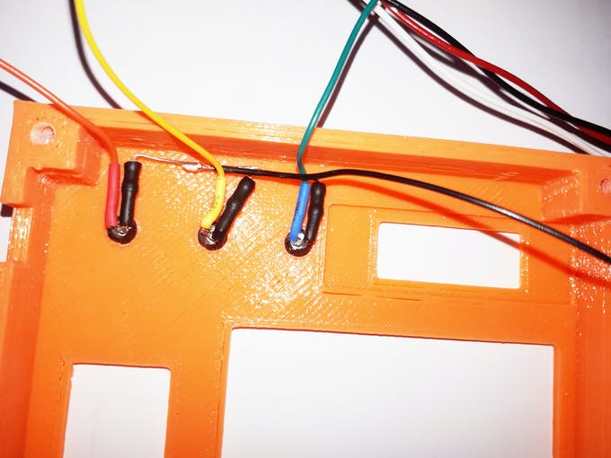I have inserted a heat-shrink tubing on each resistor and on each wire