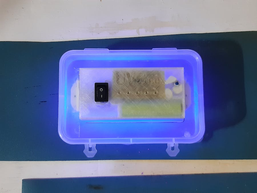 """UVC Box"" a DIY UV Sterilizer"