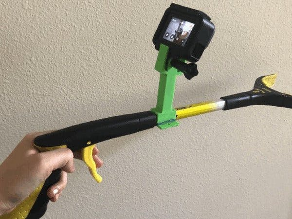 Researchers Use a GoPro and a Cheap Grabber Tool to Train a Robot Arm in the Art of Manipulation