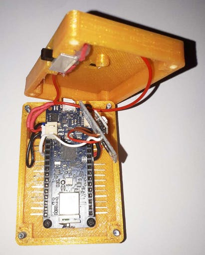UV Detection Sensor, Arduino MKR 1010 and the switch assembled in the case