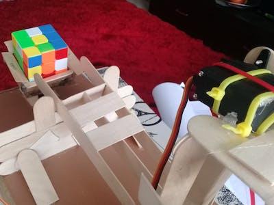 Rubik's Cube Solver Robot DIY - V.3.0