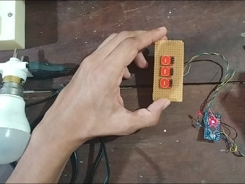 Gest-R: A Multi-Purpose No Touch Switch