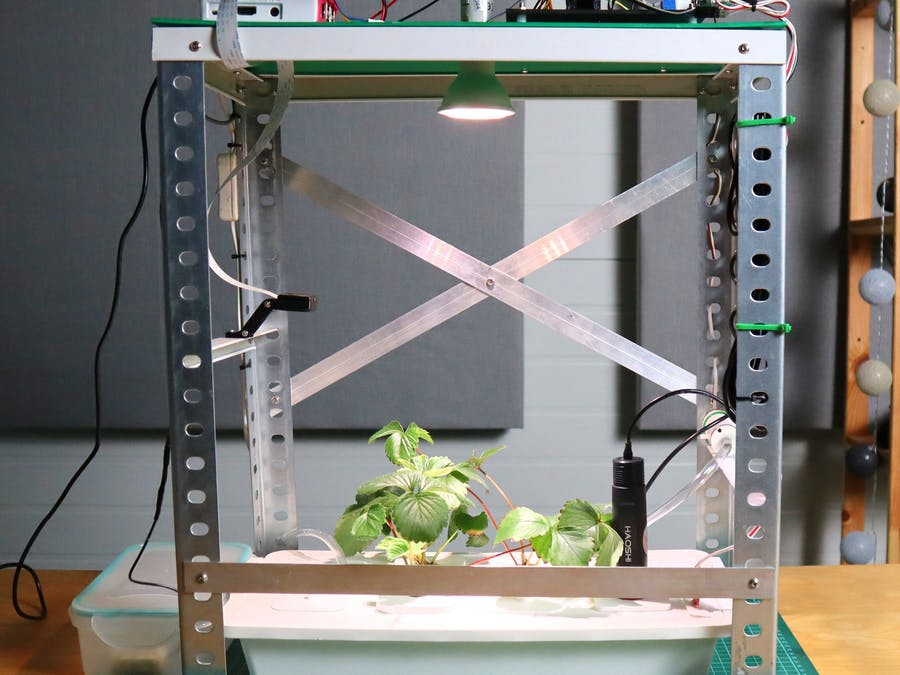 Automated Hydroponic System