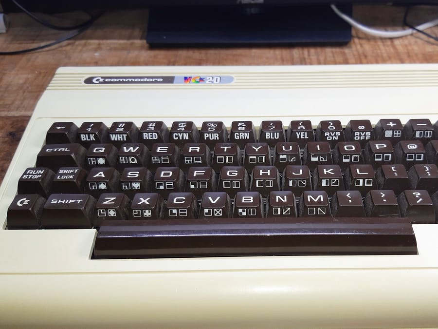 Pimp Your Commodore with a Raspberry Pi!