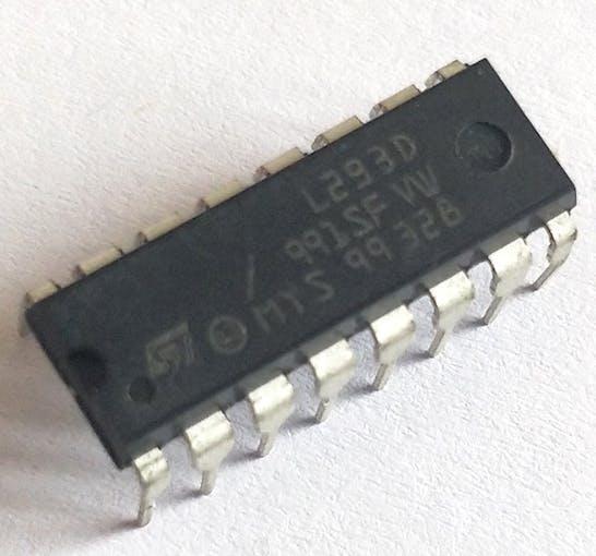 L293D picture. Credit: components101.com