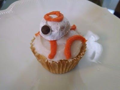 BB-8 Cupcakes
