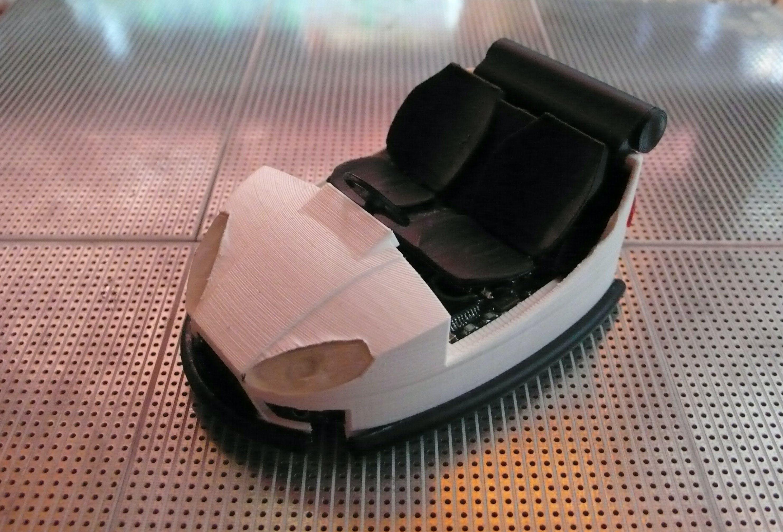 Autonomous bumper car model programmed with ARDUINO-IDE
