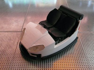 Autonomous bumper car model programmed with ARDUINO-IDE