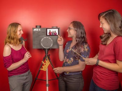 Raspberry Pi Photo Booth for Your Next Party!