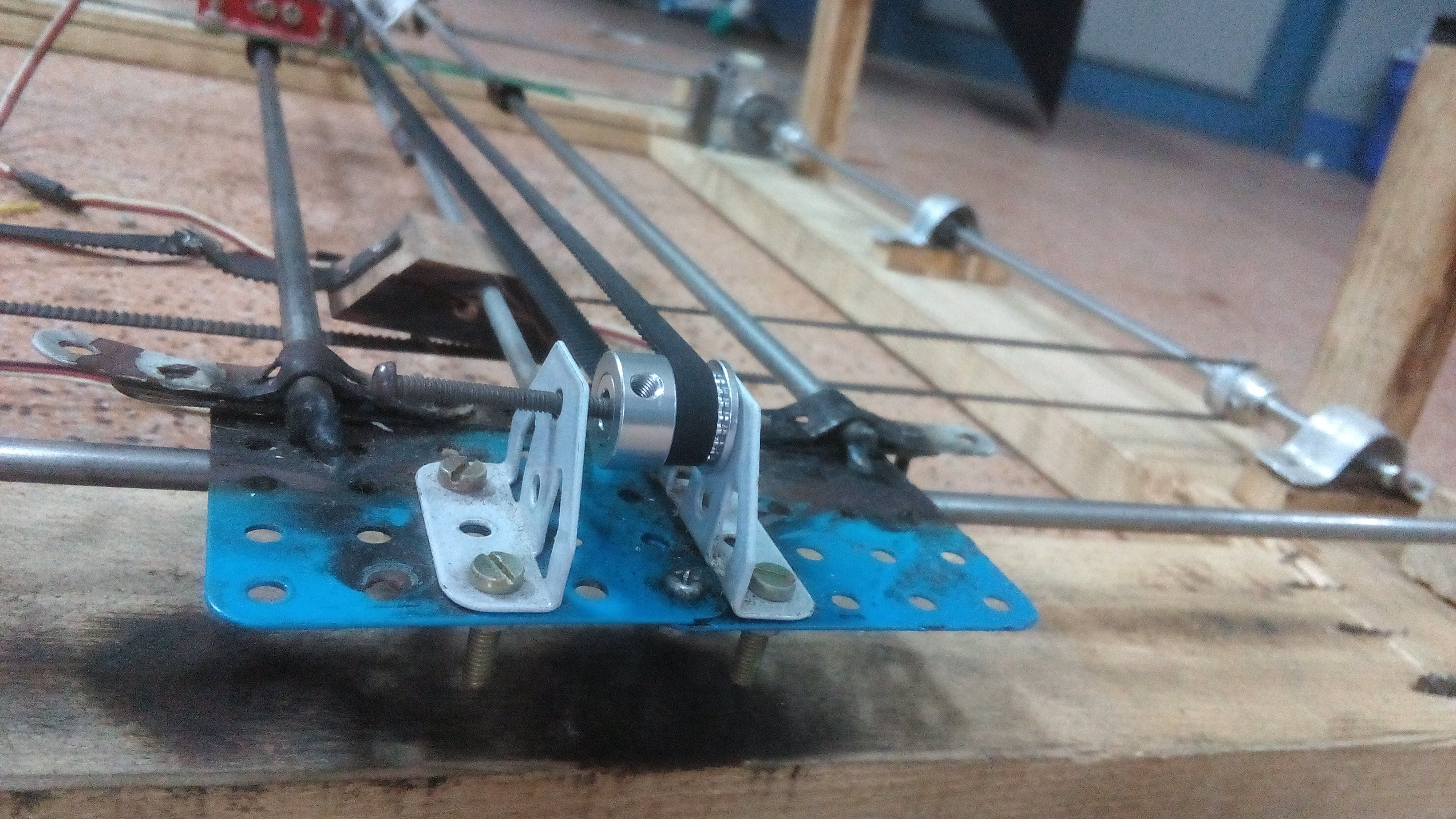Belt, pulley and some base clamps.