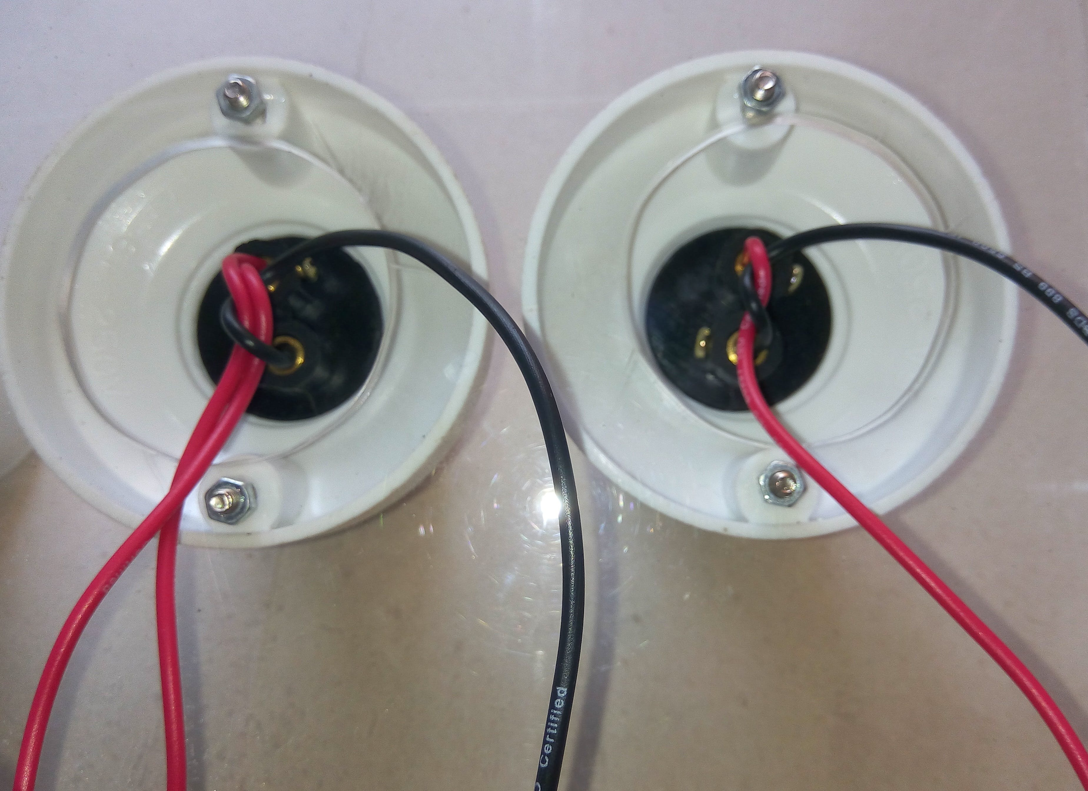 lamp holders connection