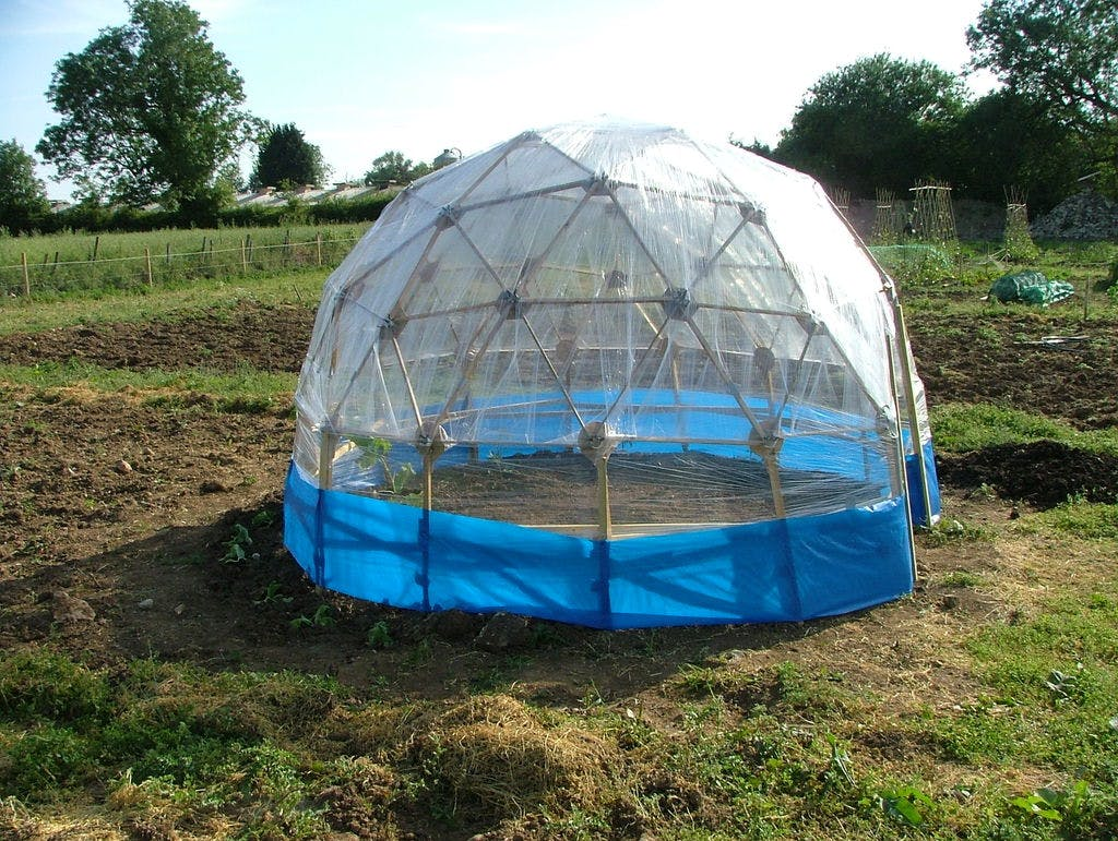 Geodetic greenhouse (low cost)