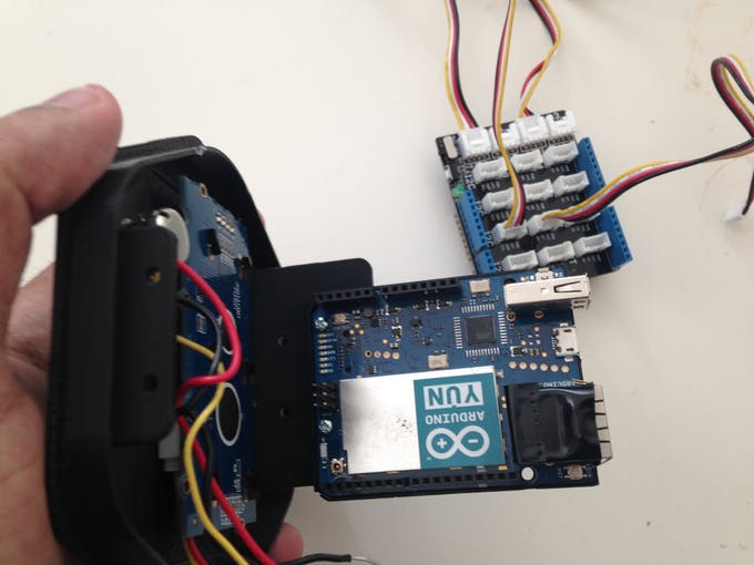 Add the Arduino Yun to the Top 3D printed part
