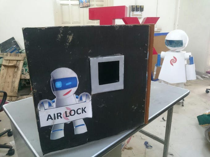 The Airlock Setup for a Box.