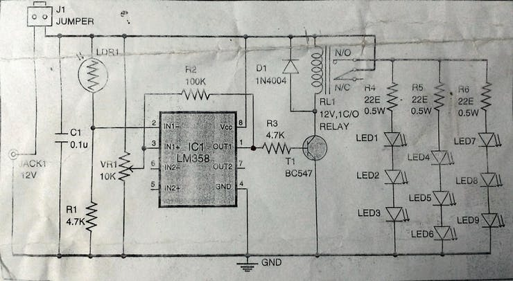 circuit diagram for the dusk-dawn controller