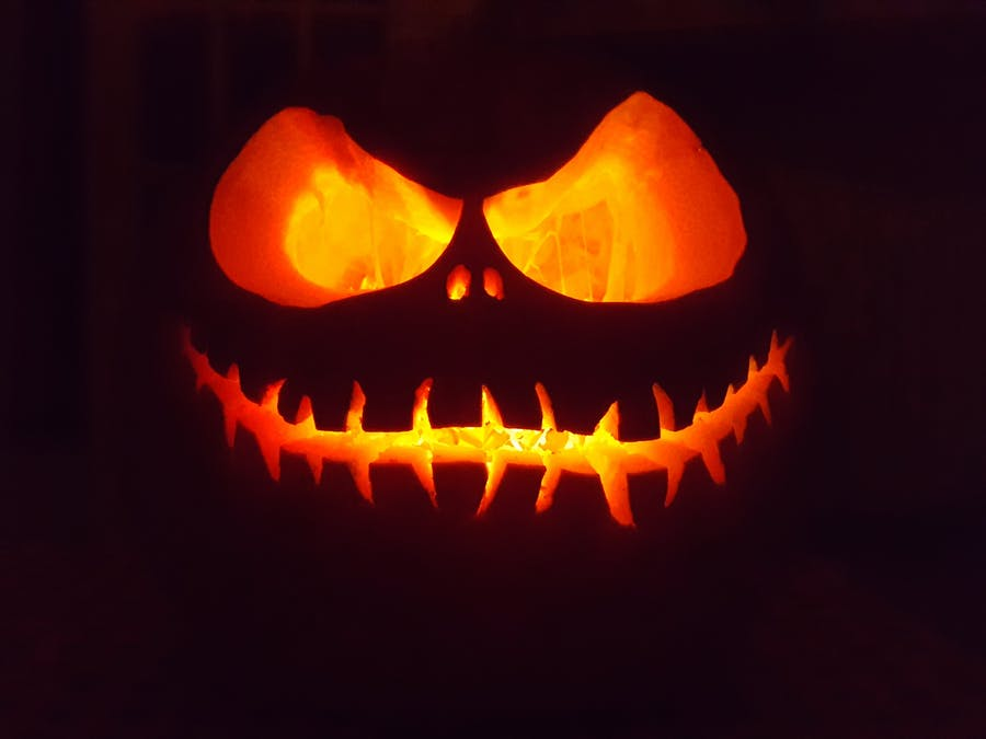 ATTiny85 LED Flickering Candle for Jack O' Lantern