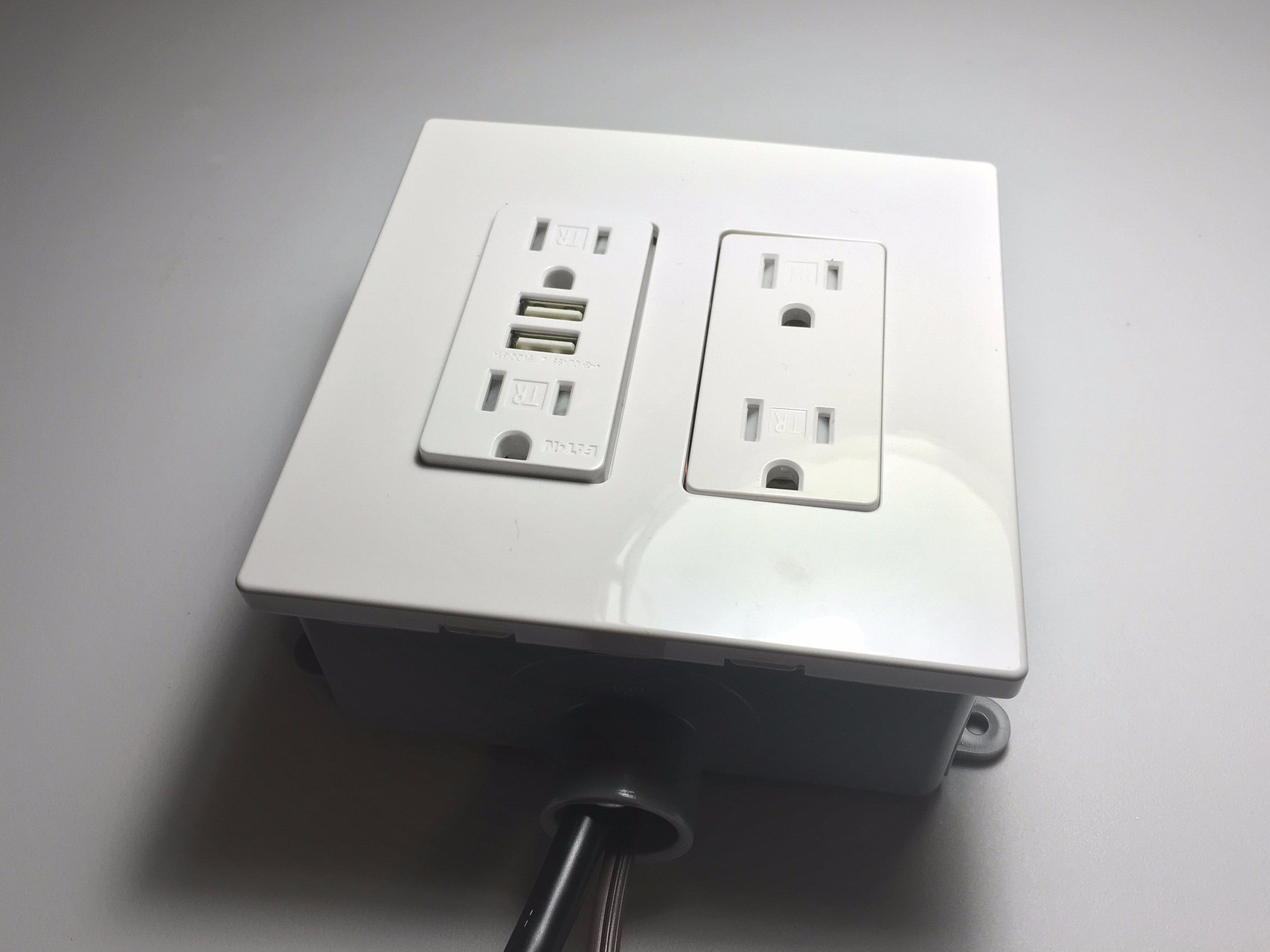 Bedroom Lamp Control & Charge