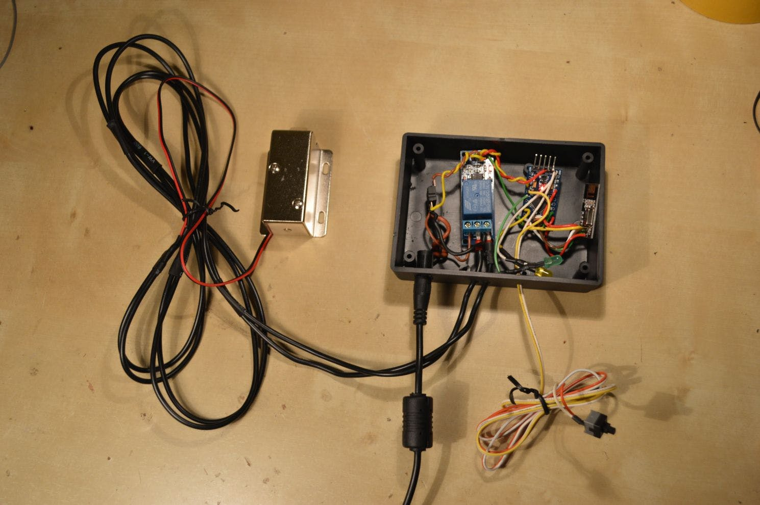 Some wires weren't soldered when this photo was taken, and the LEDs are not properly inserted - but all the rest is there.
