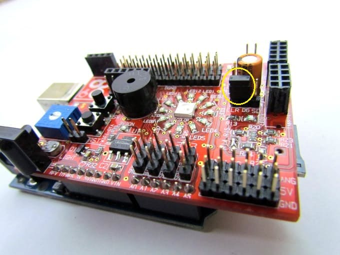 Connect the two pin jumper to ClR and D6 header pin for RGB LED