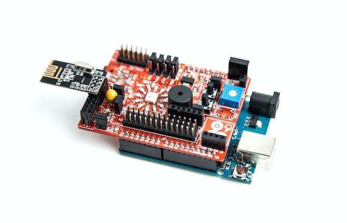 Connect the Nrf24L01 radio modules to nrf24l01 header