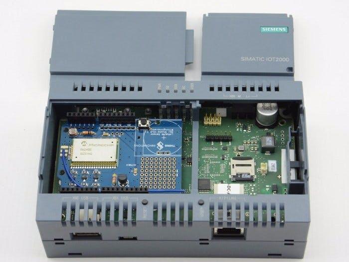 Python and LoRaWAN on the Siemens IoT2020