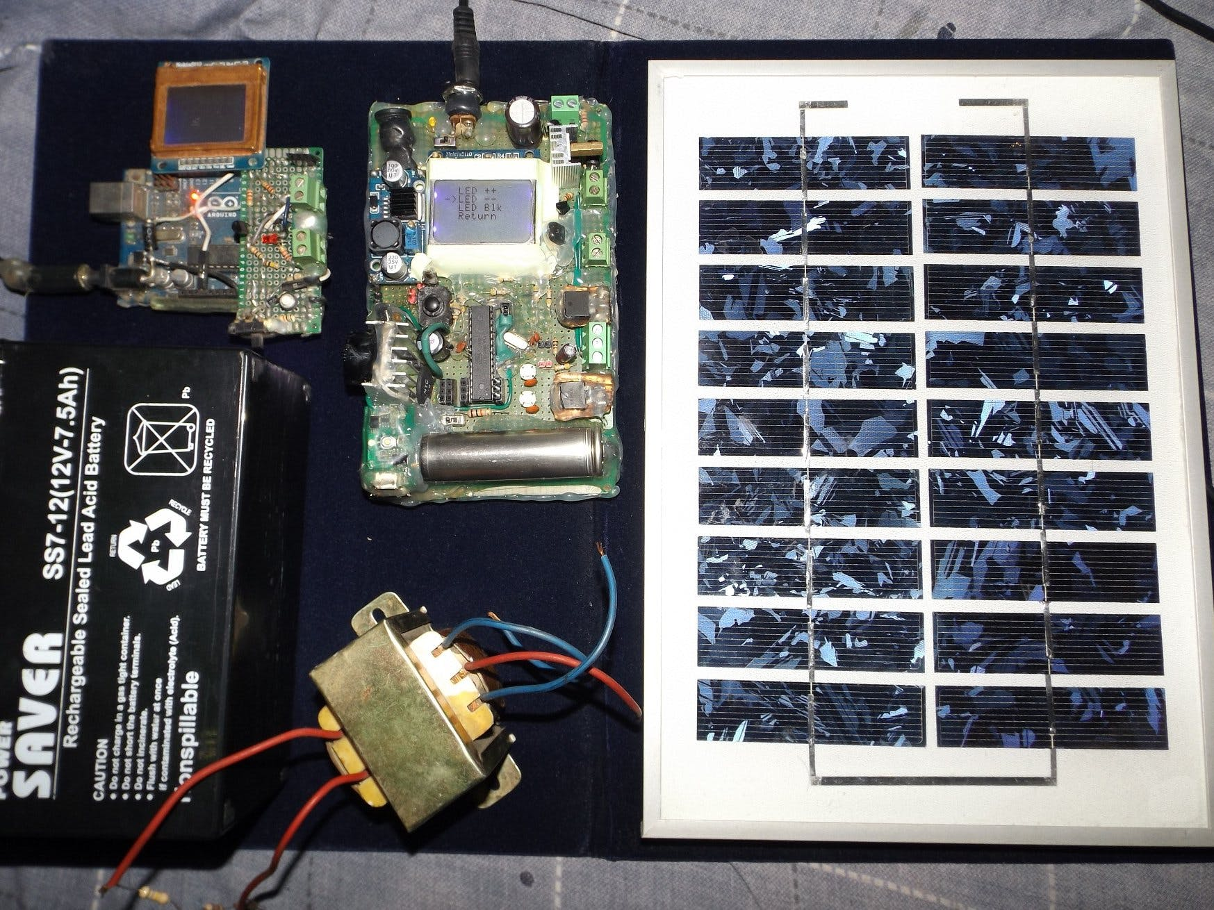 Integrated Solar ChargeController, Inverter, PowerBank, Lamp