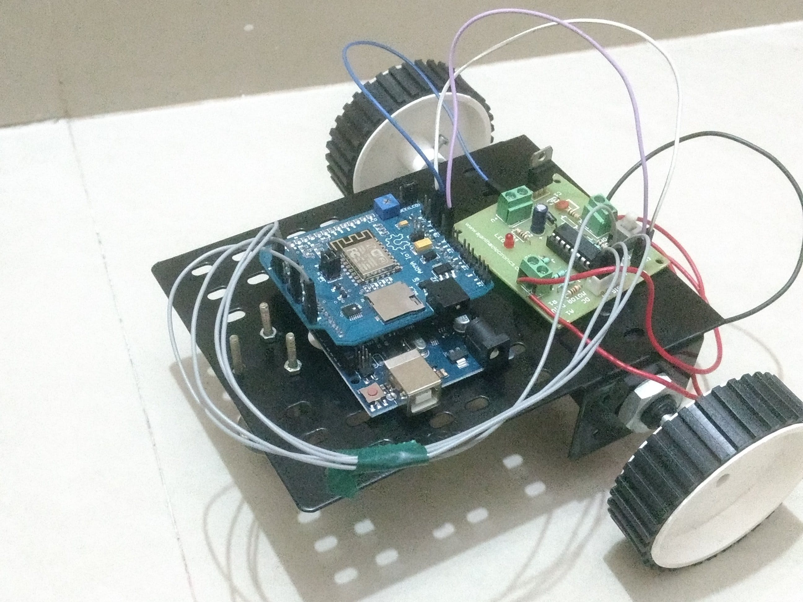 WiFi Controlled Robot using Arduino UNO and Blynk