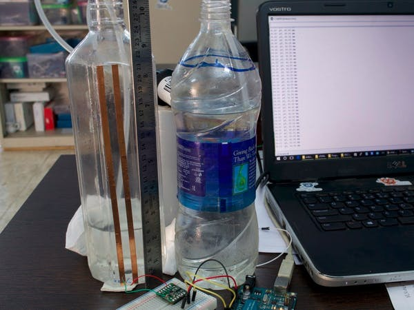Non Contact Capacitive Liquid Level Sensing Using Fdc1004