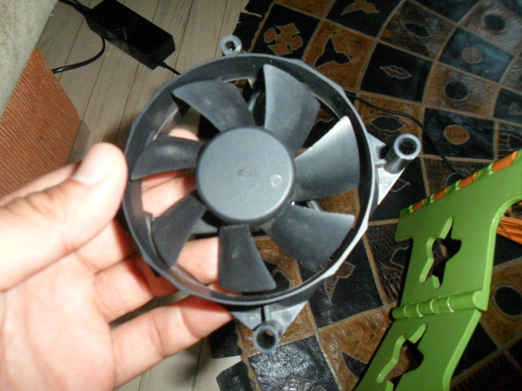 Turn Your Old PC Fan into a Wind Generator in 10 Minutes
