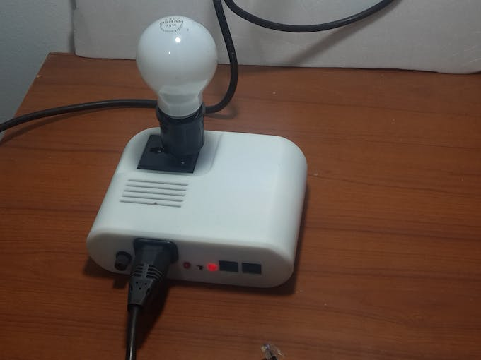 Power on Sugar device and connect it with the AC Lamp