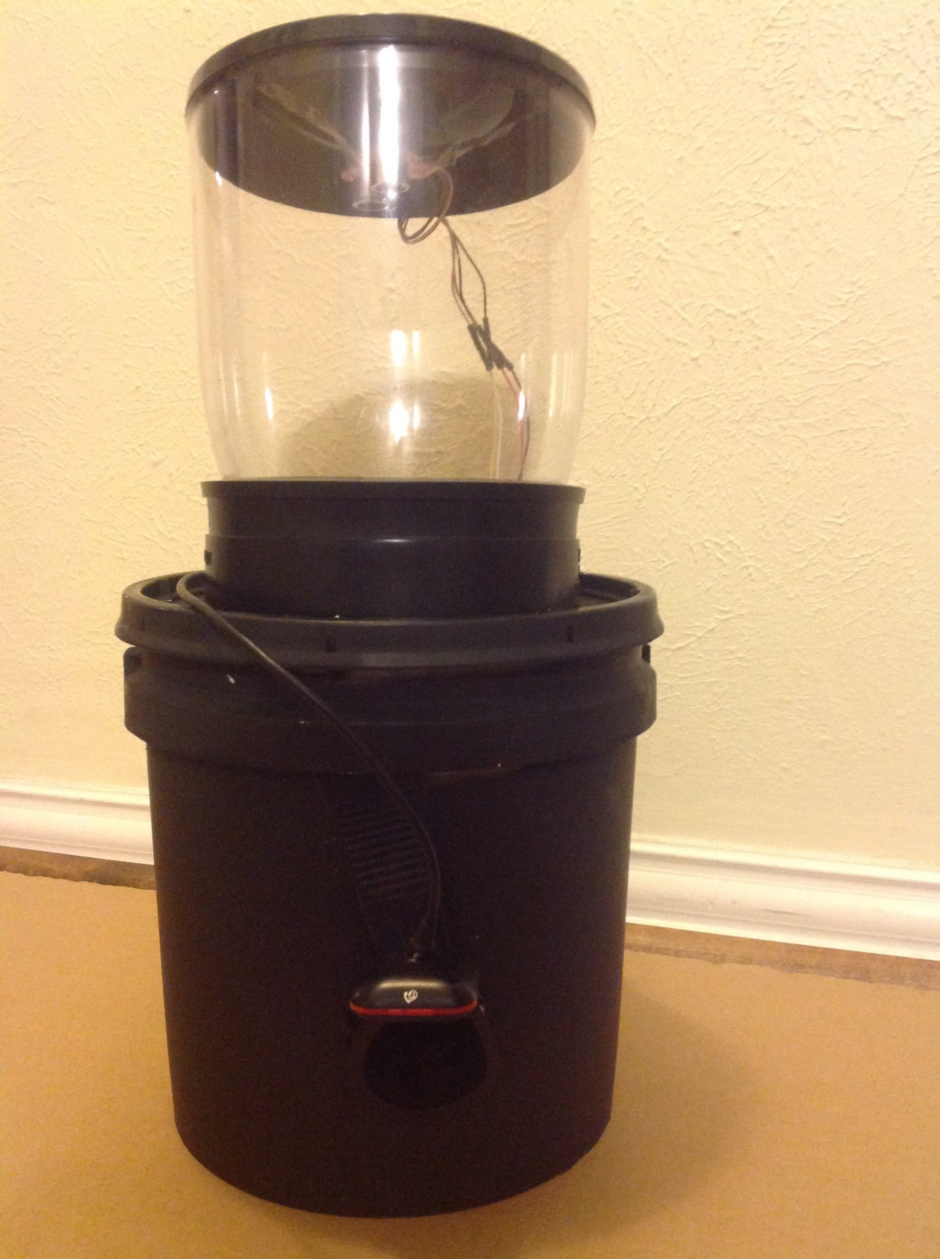 Version 2 - Improved Cat Feeder with better housing