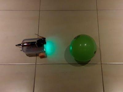 Raspberry Pi Tupperware Ball Tracking Robot (Python+OpenCV)