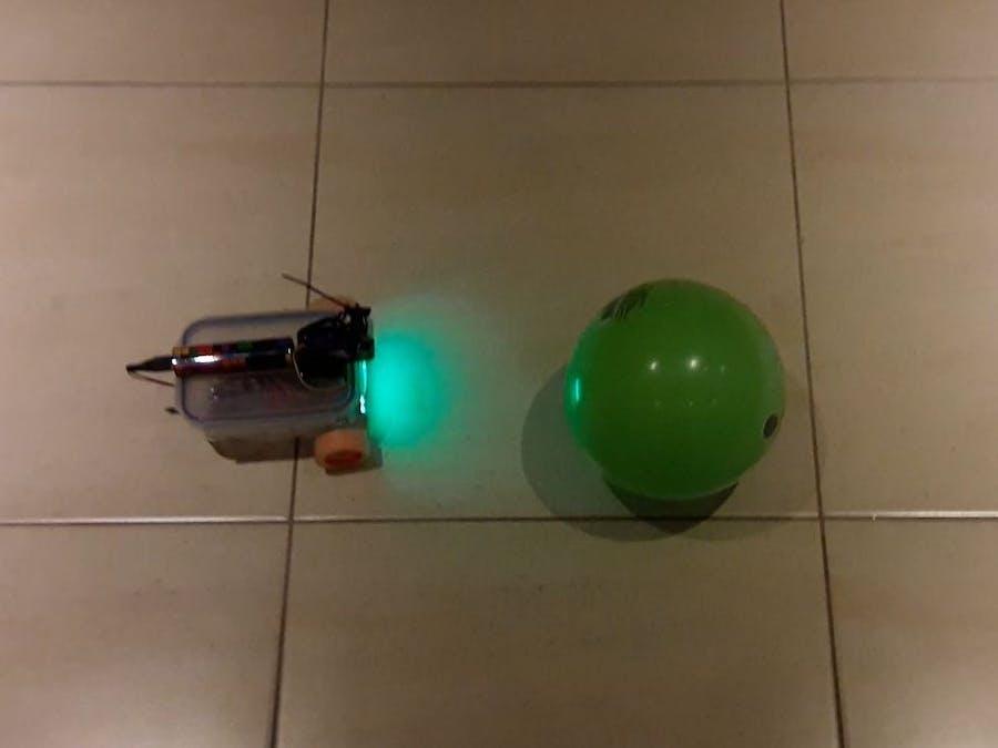 Raspberry Pi Tupperware Ball Tracking Robot (Python+OpenCV