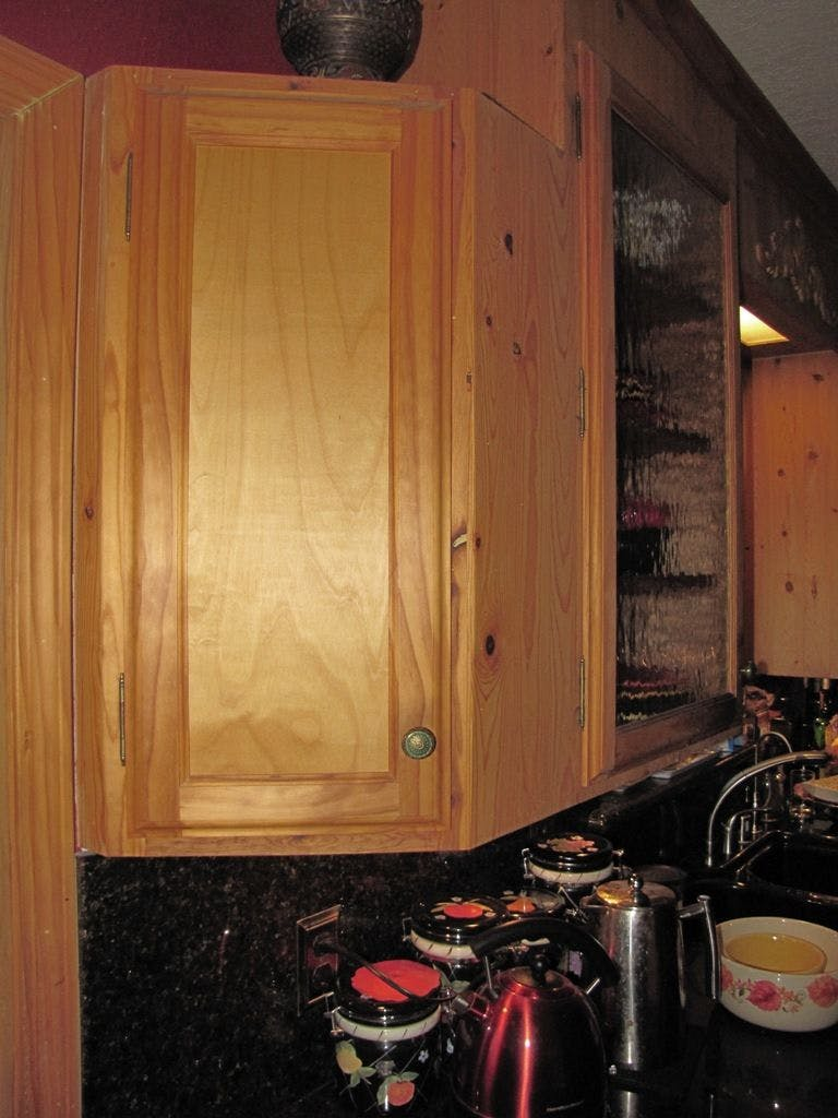Cabinet Lock With Hidden Capacitive Switch