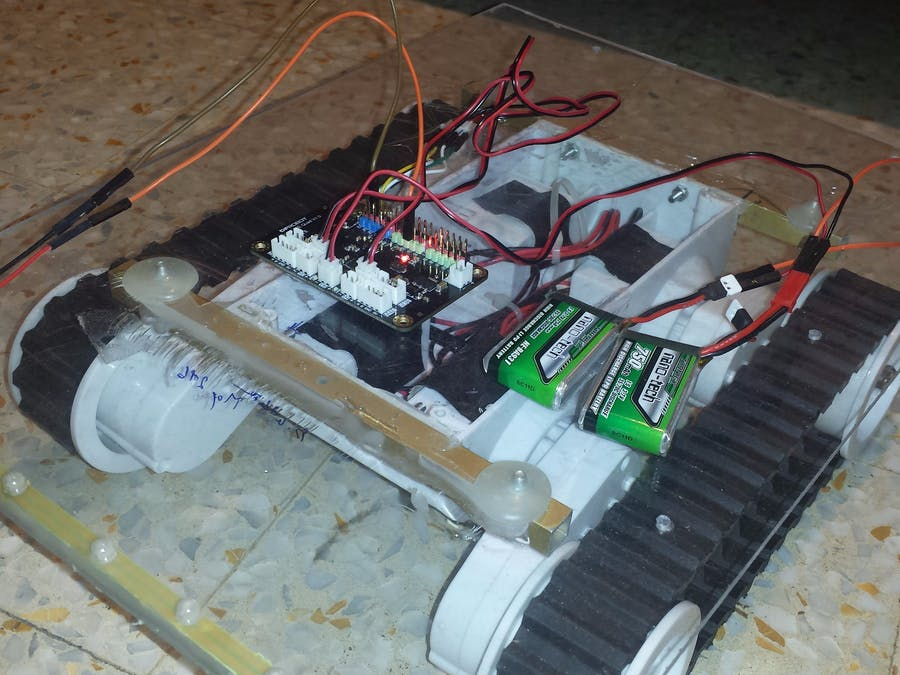 DRY BLE Control RC Rover (Powered by Romeo BLE Quard)